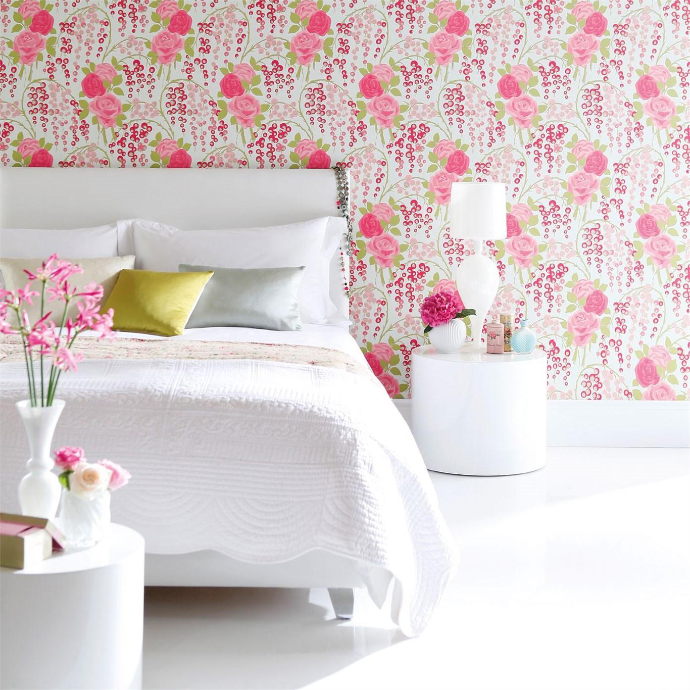 2 consejos para colocar papeles pintados de flores en el for Como colocar papel mural