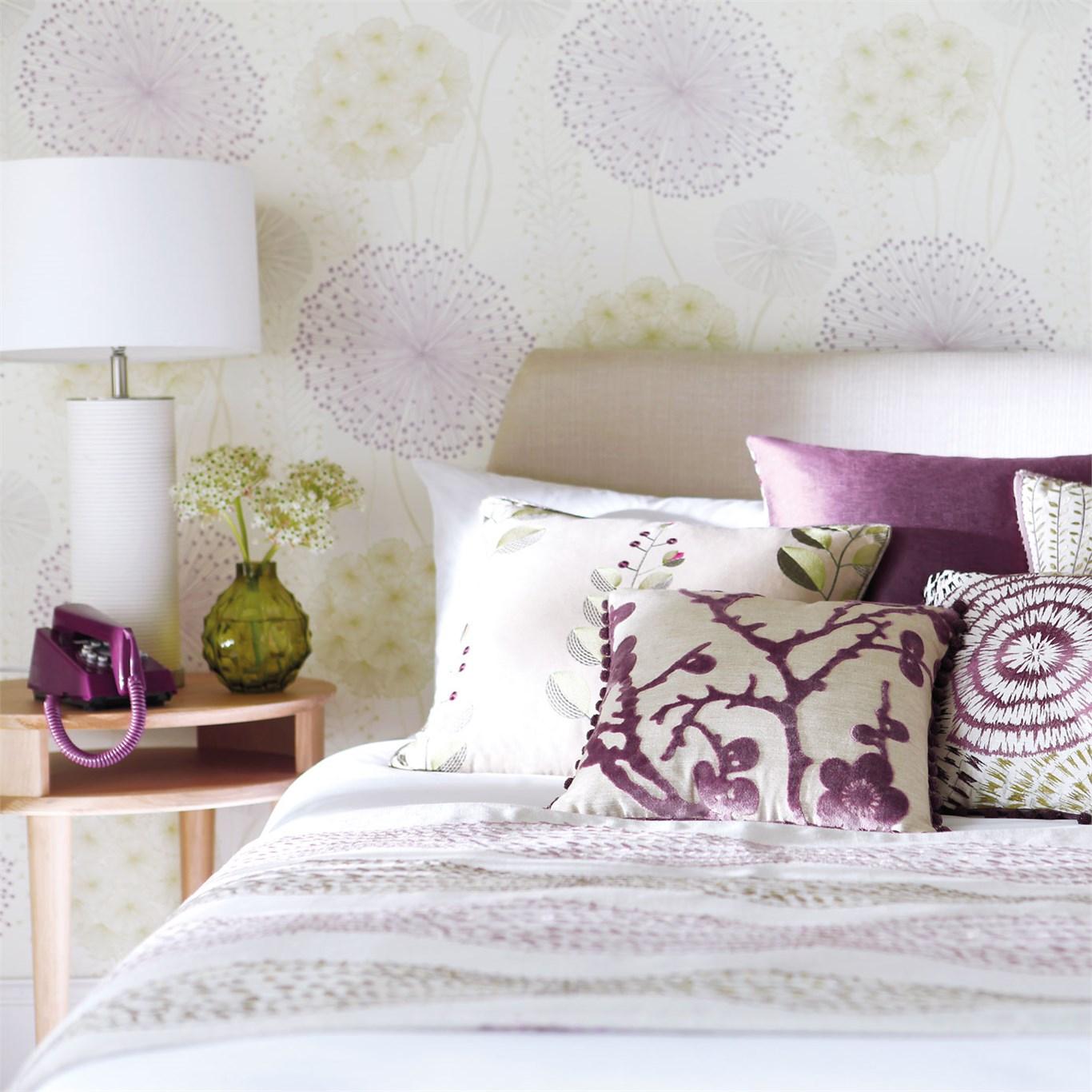 2 consejos para colocar papeles pintados de flores en el - Papel pintado para dormitorio juvenil ...