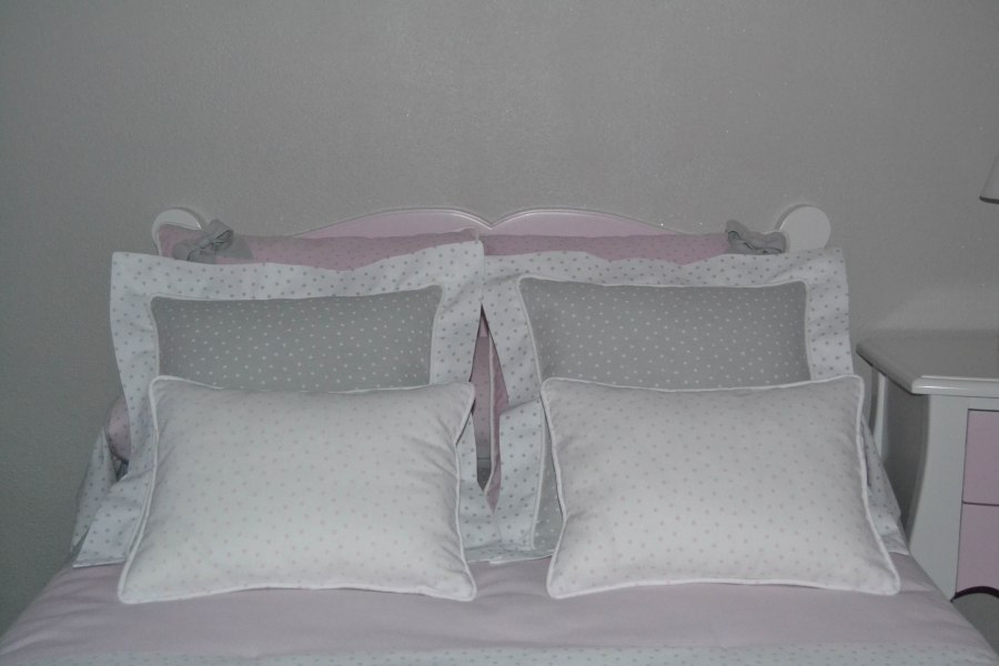Cojines habitación de niña - Villalba Interiorismo