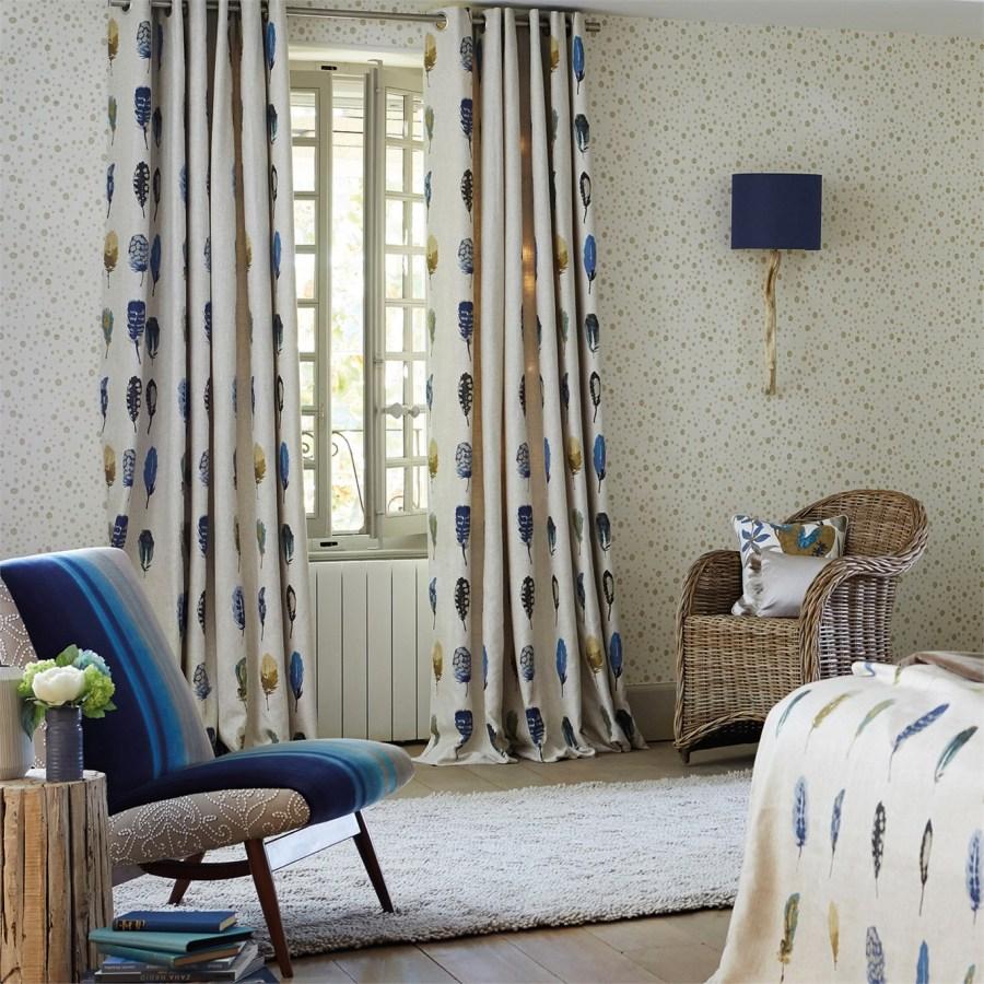 Cortinas dormitorio estampado plumas - Villalba Interiorismo