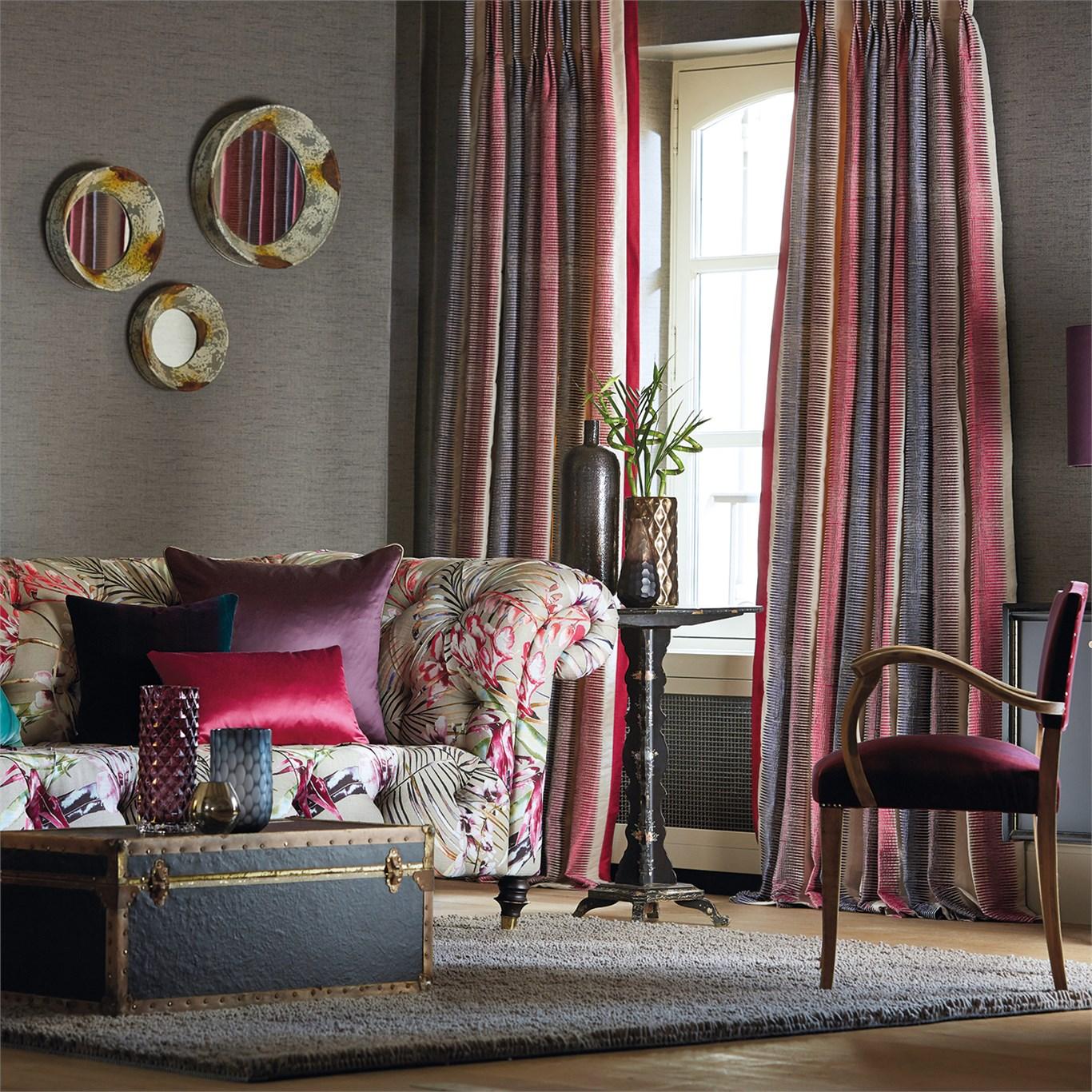Un salón en gris y fucsia  Villalba Interiorismo