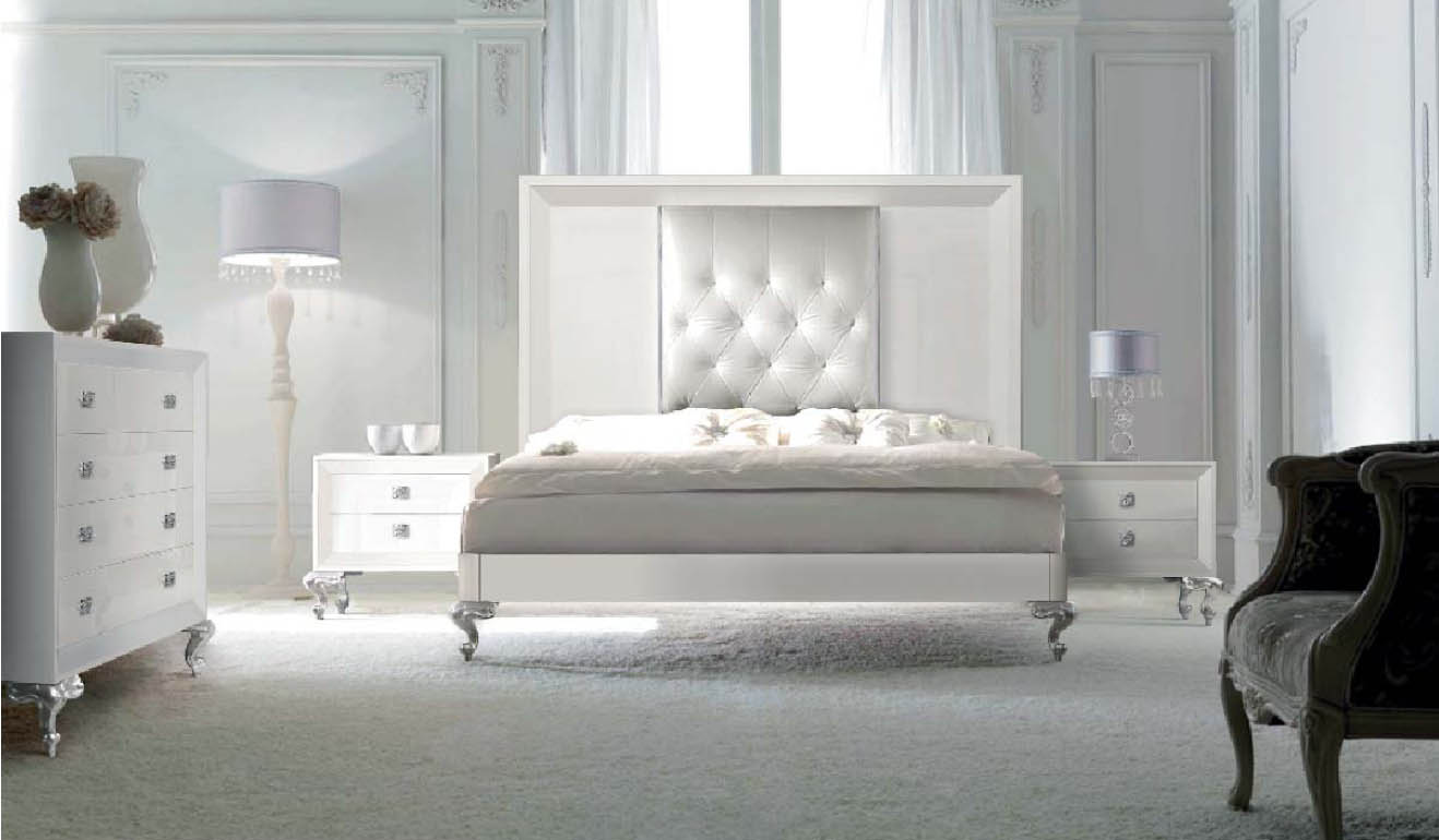 Un dormitorio para so ar villalba interiorismo for Pintar muebles lacados en blanco