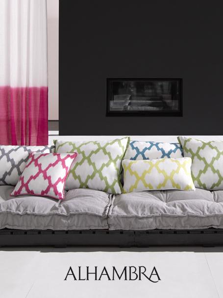 Visillos de lino con colores alegres villalba interiorismo - Villalba interiorismo ...