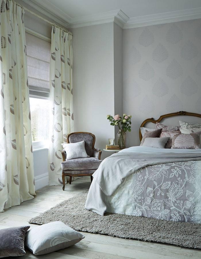 Dormitorio con telas Harlequin - Villalba Interiorismo
