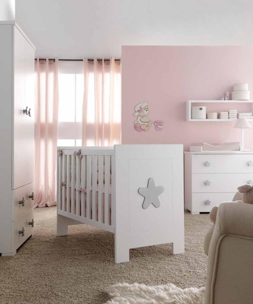 Dormitorio de bebé en rosa - Villalba Interiorismo