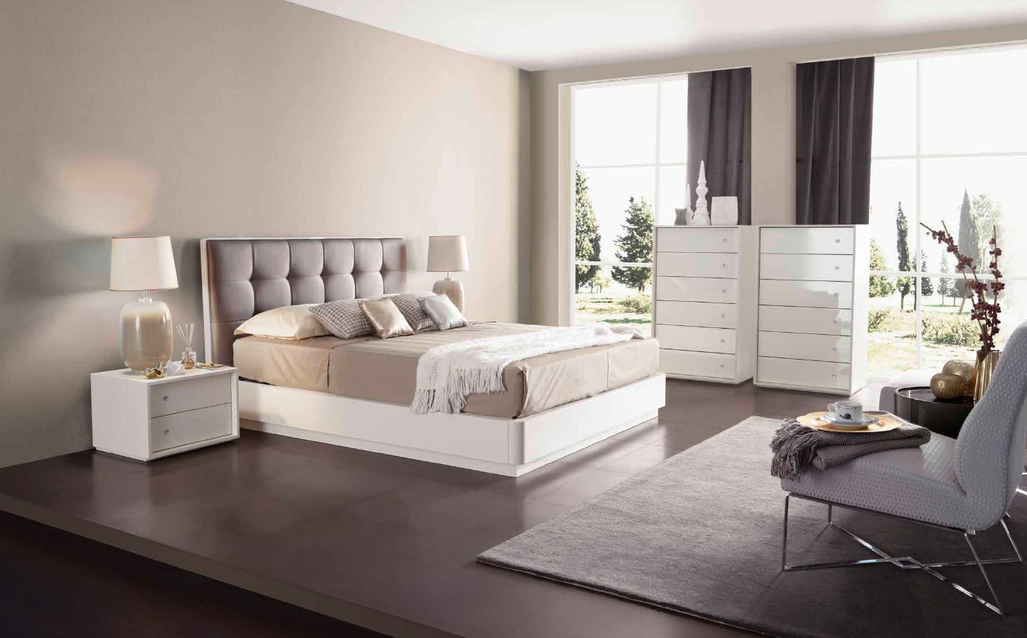 Un dormitorio moderno villalba interiorismo - Cortinas dormitorio moderno ...