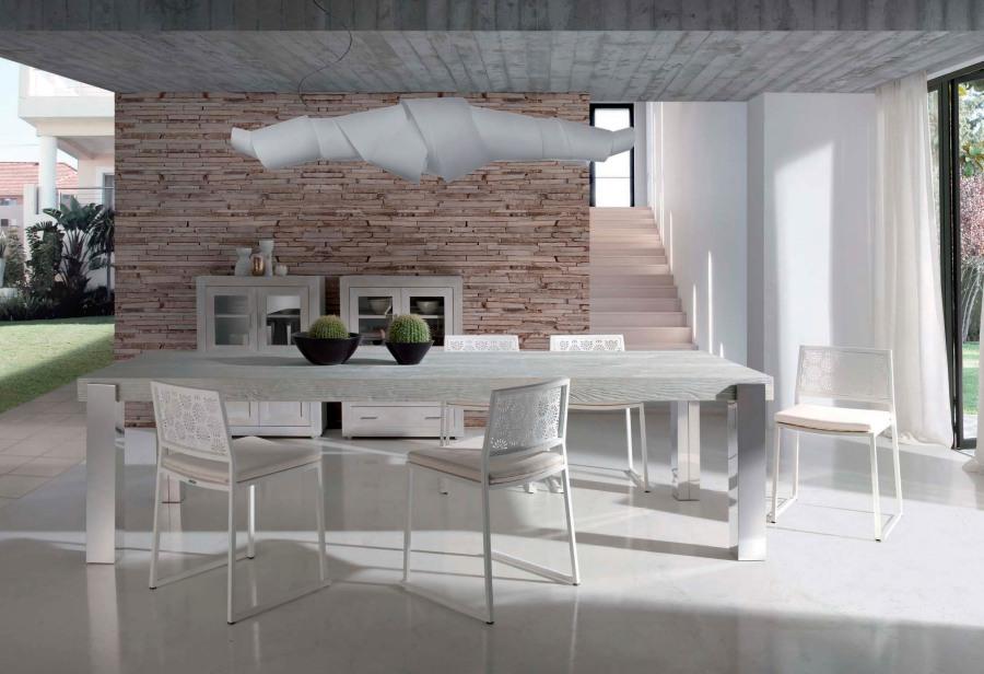 Mesa comedor madera de mobila con patas metálicas - Villalba Interiorismo