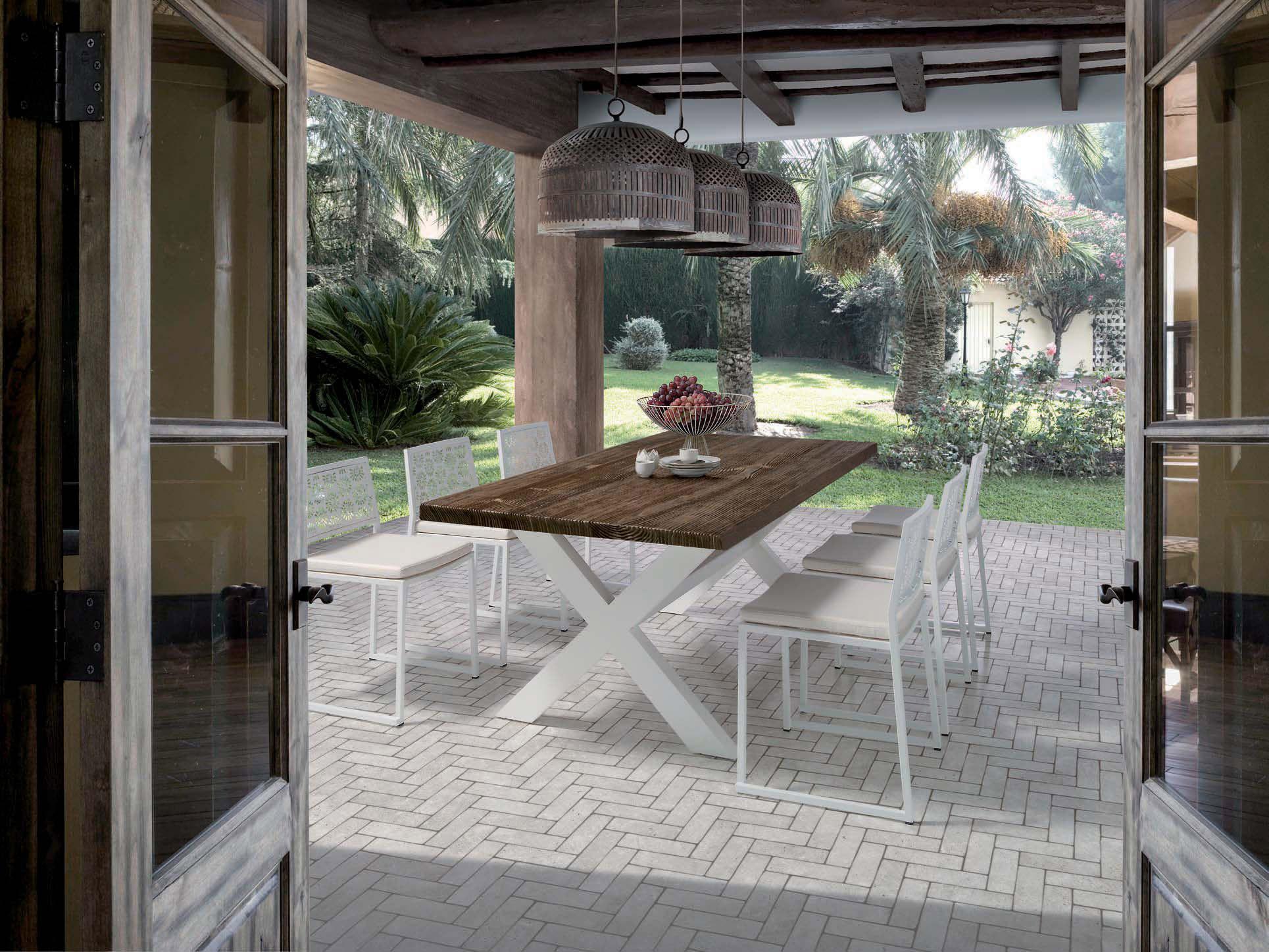 Mesas comedor con aire r stico villalba interiorismo for Interiorismo rustico
