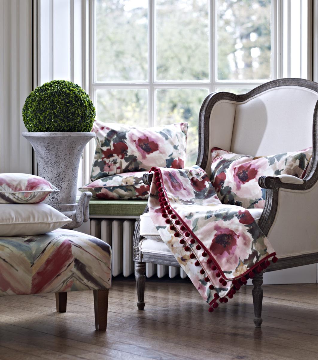Coordinados de telas en rosas y verde villalba interiorismo - Telas para sillones ...