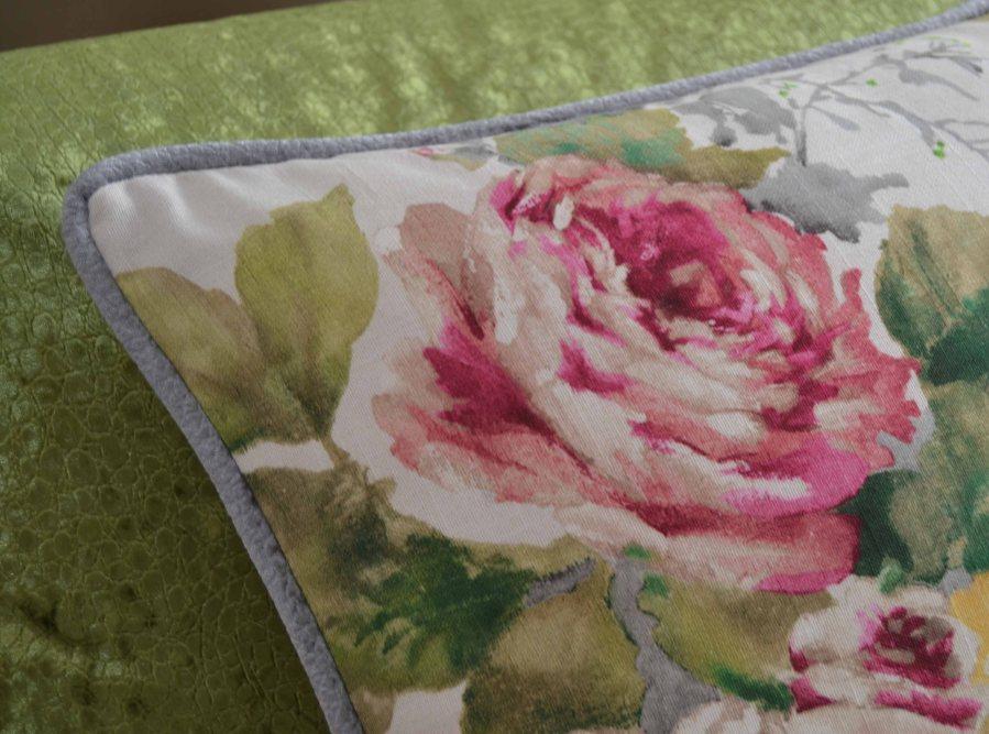 Cojín flores con cordón - Villalba Interiorismo