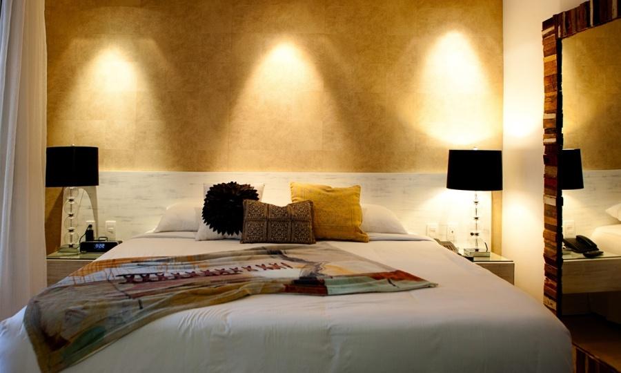 Dormitorio con papel pintado Elitis - Villalba Interiorismo.jpg