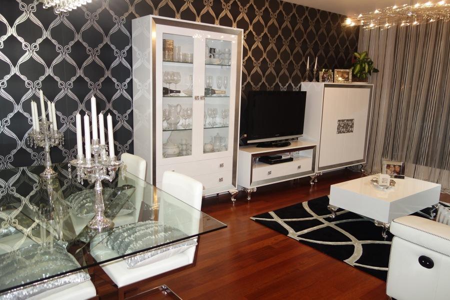 Salón muebles lacados en blanco y plata - Villalba Interiorismo (3)