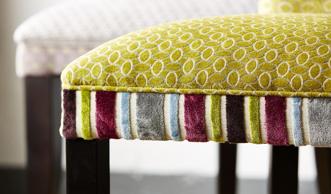 Descubre las tapicer as de chenille villalba interiorismo for Catalogo tapicerias para sofas