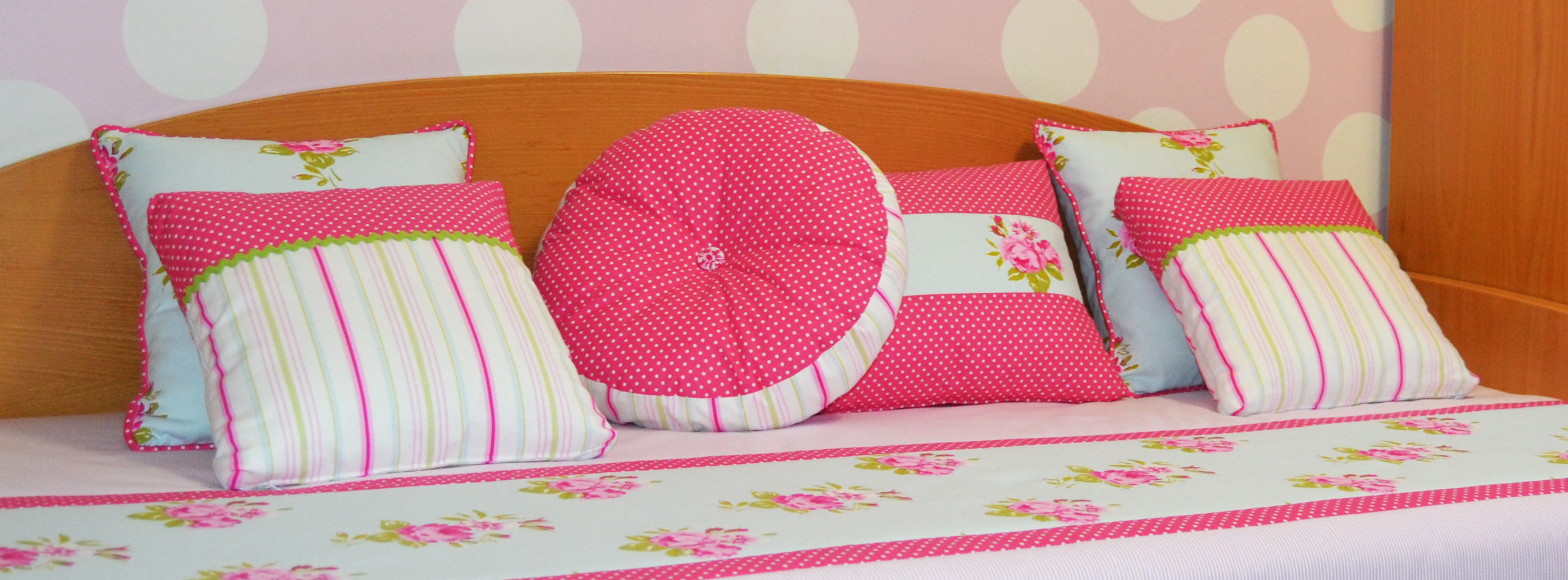Combinando telas para un dormitorio juvenil villalba - Cojines grandes cama ...