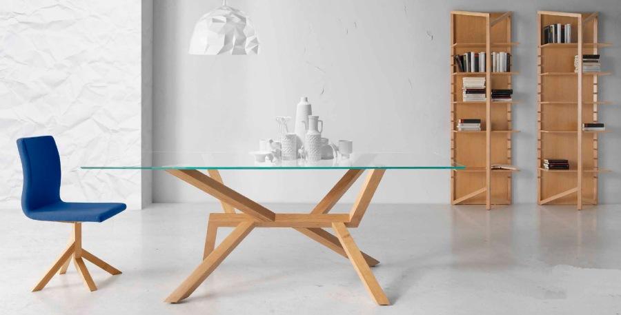 5 mesas modernas de cristal y madera villalba interiorismo for Mesa comedor madera cristal