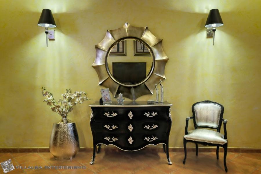 Recibidor elegante con cómoda - Villalba Interiorismo