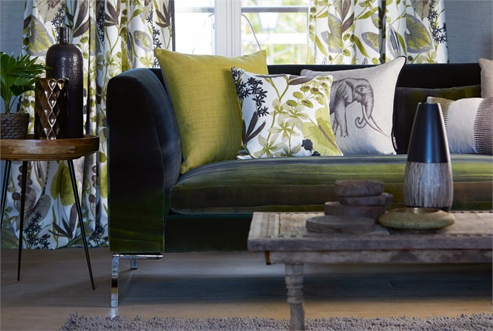 Cojines y dobles cortinas estampadas - Villalba Interiorismo
