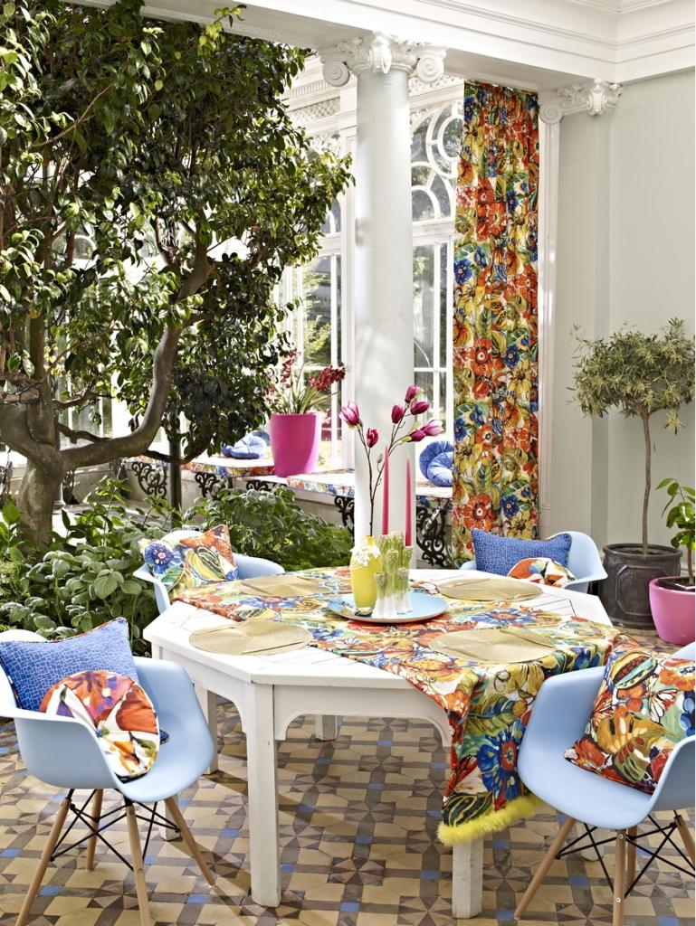 Tela estampada de flores - Villalba Interiorismo