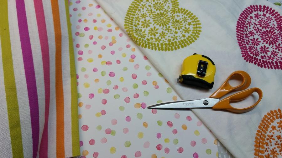 Papel pintado y telas para dormitorio niñas - Villalba Interiorismo