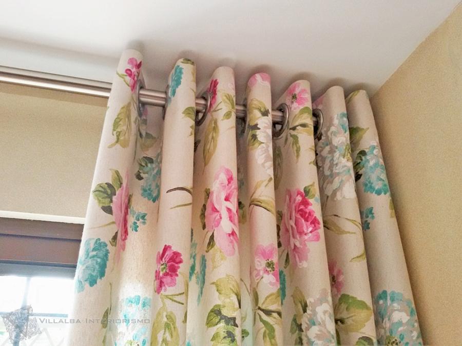 Cortinas de flores con ollaos - Villalba Interiorismo