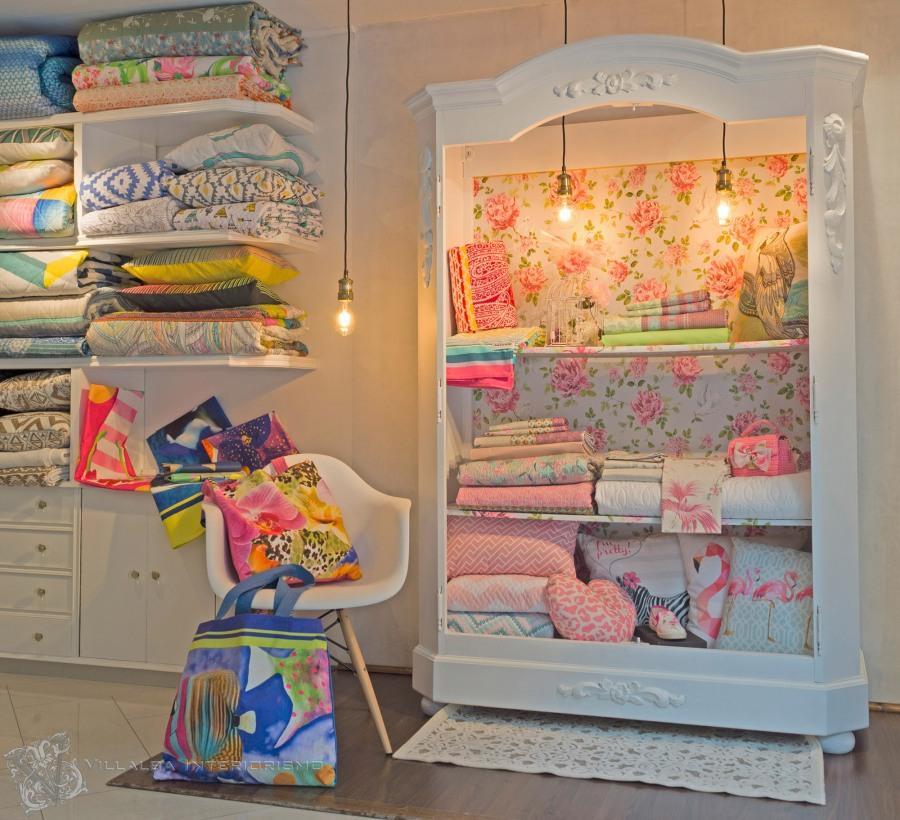 Textiles para el hogar en el escaparte - Villalba Interiorismo