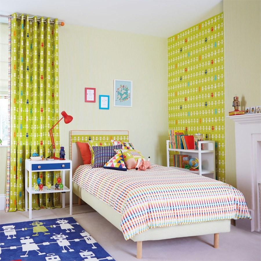 Cortinas y papel pintado para dormitorio niños de Harlequin - Villalba Interiorismo