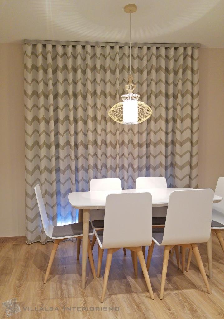 cortina-colocada-en-onda-perfecta-en-el-comedor-villalba-interiorismo