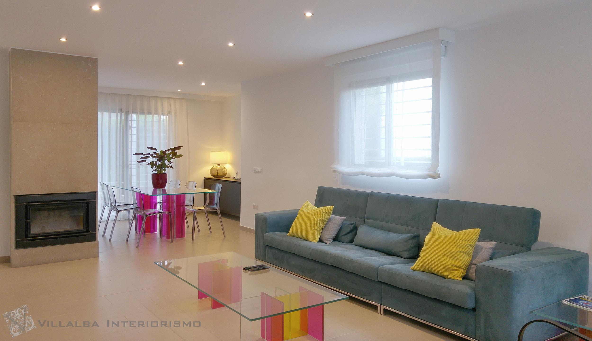 Cortinas salon moderno latest pxeis with cortinas salon for Cortinas blancas salon