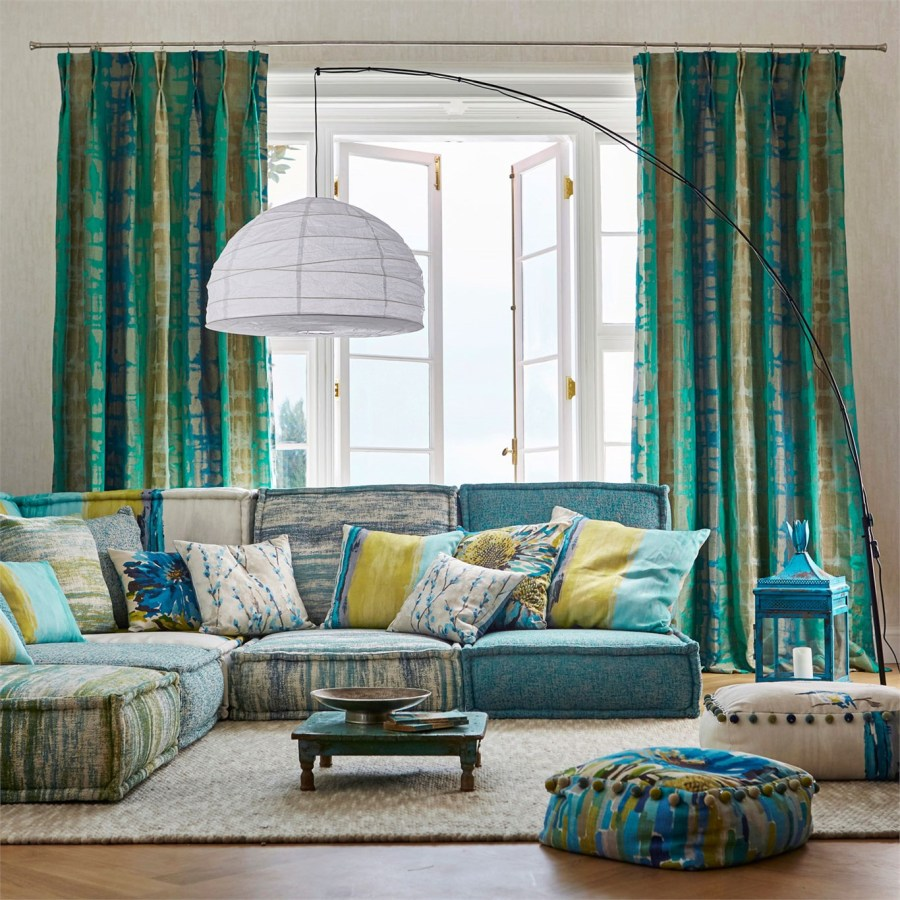 cojines-y-dobles-cortinas-harlequin-villalba-interiorismo