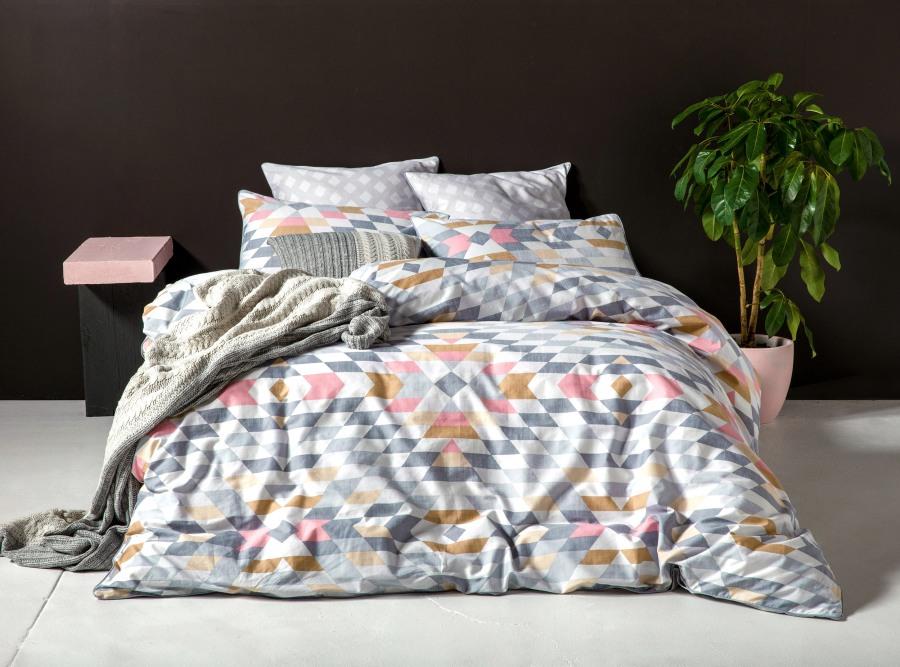 funda-nordica-azai-de-kas-gris-y-rosa-villalba-interiorismo