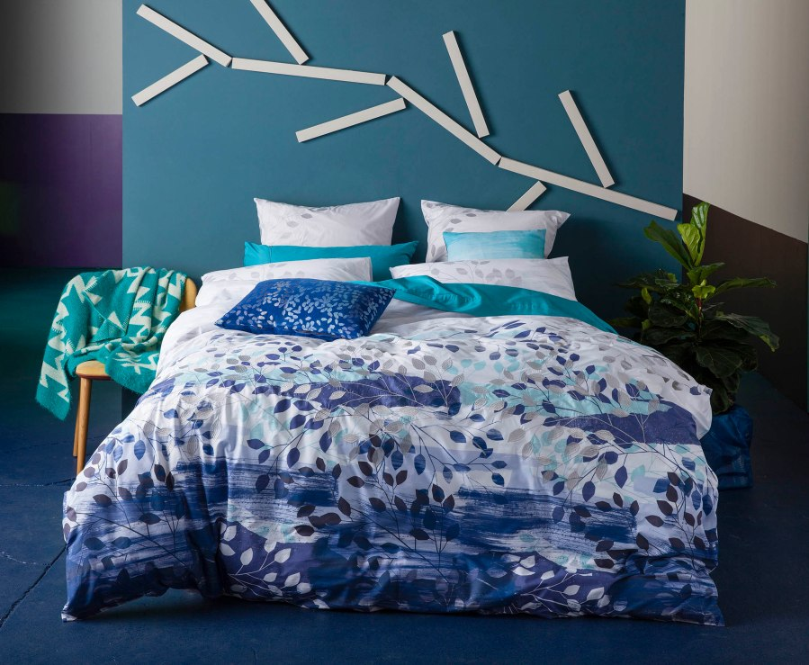 funda-nordica-whistler-de-kas-azules-y-bordada-villalba-interiorismo