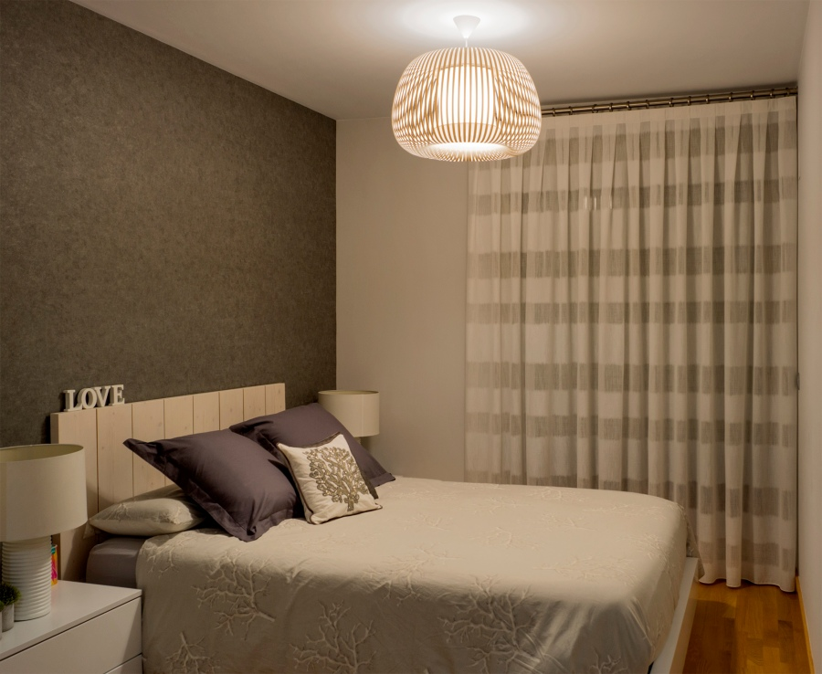 cortina-con-barra-dormitorio-villalba-interiorismo