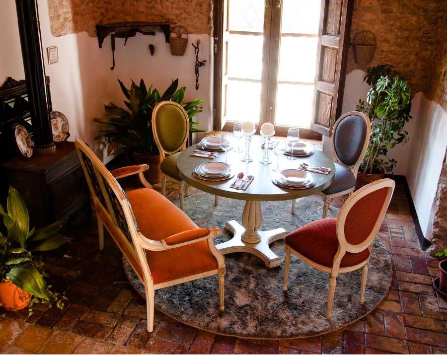 sillas1154-y-mesa-tecninova-villalba-interiorismo