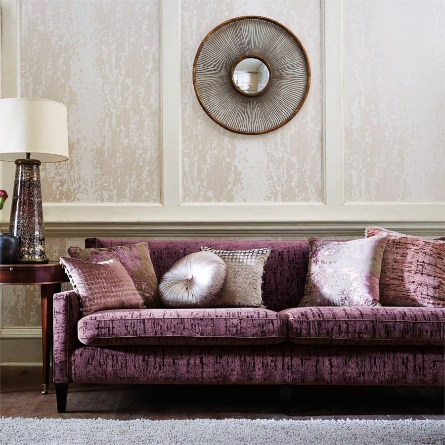 sofa-y-cojines-de-terciopelo-villalba-interiorismo