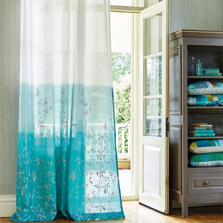 Uno de los visillos m s bonitos del mundo villalba for Alfombra azul turquesa del dormitorio