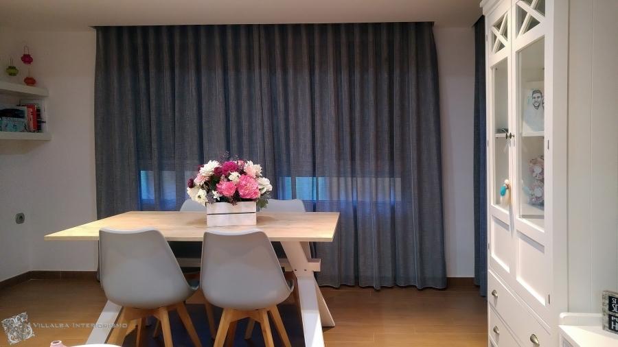 El hogar de clara villalba interiorismo for Cortinas para comedor gris