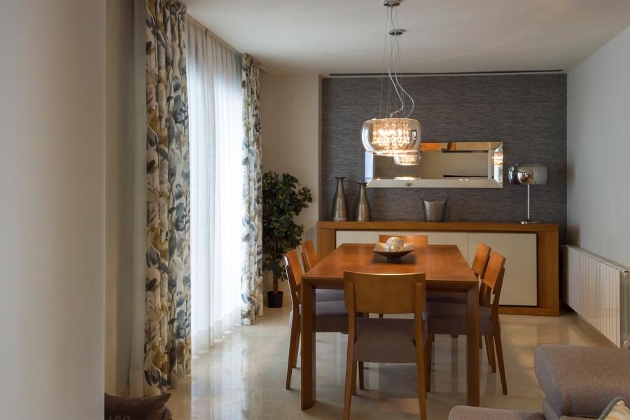 Espejos para salon comedor consejos para decorar con for Espejos horizontales para salon