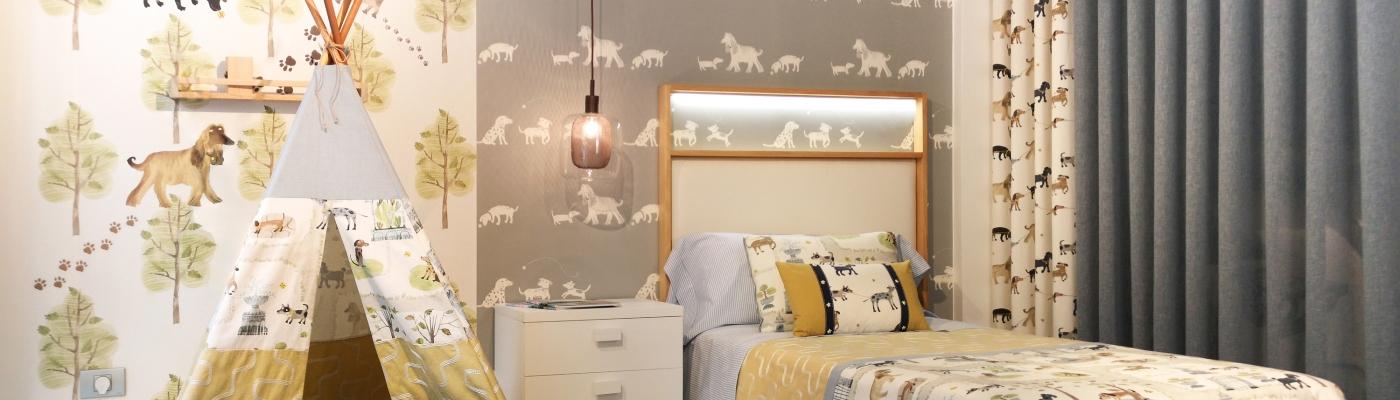 Dormitorio infantil alegre y original con perros